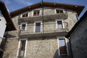 Immobilien Comer See Vercana mit Terrasse