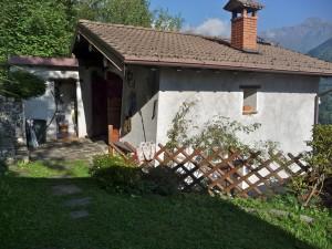 Immobilien Comer See Gravedona ed Uniti mit Garten und keller
