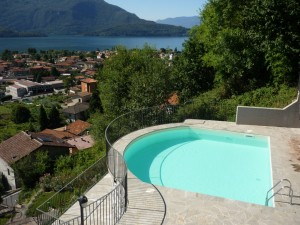 Immobilien Comer See Domaso mit Schwimmbad und Seeblick