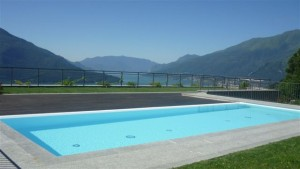 Immobilien Comer See Wohnung mit Pool Vercana Seeblick