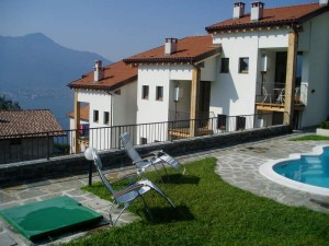 Immobilien Comer See Wohnung mit Pool Gera Lario Seeblick