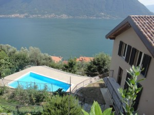 Immobilien Comer See Colonno Luxus Residenz mit Schwimmbad