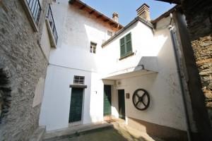 Immobilien Comer See San Siro Haus mit Garten und Seeblick