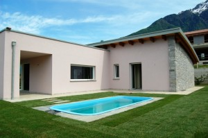Immobilien Comer See Colico Modern Villa mit Pool und seeblick