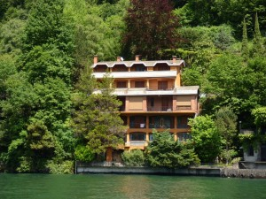 Immobilien Comer See Nesso Direkt am See  mit Terrasse