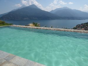 Immobilien Comer See Pianello Lario Moderne Residenz mit Pool