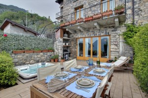 Immobilien Comer See Ossuccio Renoviert Rustico Mit Seeblick und Terrasse