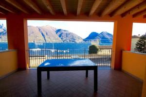 Immobilien Comer See San Siro Wohnung mit Seeblick mit garage