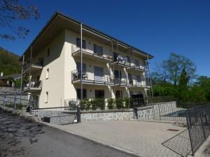 Immobilien Comer See Gera Lario Wohnung mit Schwimmbad und seeblick