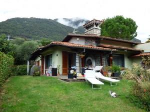 Immobilien Comer See Lenno Villa mit Garten