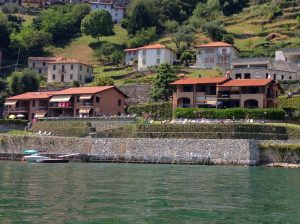 Immobilien Comer See Musso Wohnung mit Schwimmbad sonnig