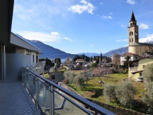 Immobilien Comer See Domaso Wohnung mit Schwimmbad Terrasse