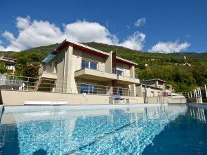 Immobilien Comer See Gera Lario Moderne Wohnung mit Schwimmbad sonnig