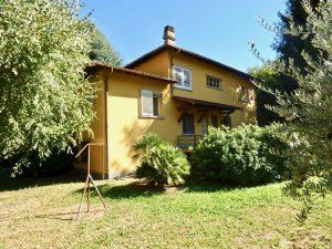 Immobilien Comer See Gravedona ed Uniti Villa mit Seeblick und Garten