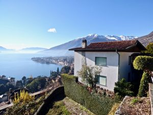 Immobilien Comer See Gravedona ed Uniti Villa mit Seeblick und garage