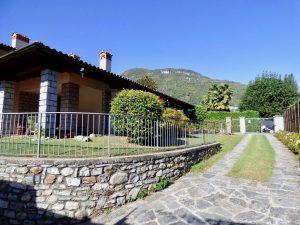 Immobilien Comer See Gravedona ed Uniti Villa Mit Privat Garten und garage
