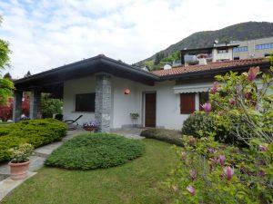 Immobilien Comer See Castiglione D'Intelvi Villa mit Garten - Villa