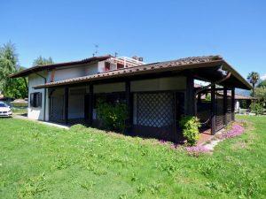 Immobilien Comer See Domaso Wohnung mitdirekter Zugang zum See mit kamin