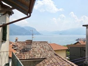 Immobilien Comer See San Siro Haus mit Seeblick und Balkon