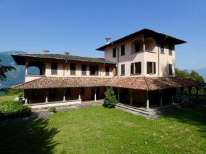Immobilien Comer See Mandello del Lario Luxus Villa mit Seeblick und Park
