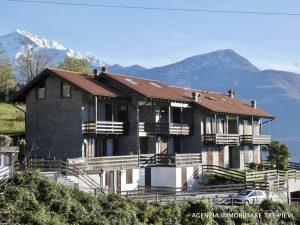 Immobilien Comer See Gravedona ed Uniti Wohnung mit Terrasse und garage