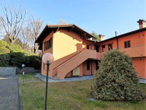 Immobilien Comer See Menaggio Wohnung mit Garage