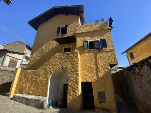 Immobilien Comer See Cremia Haus mit Terrasse