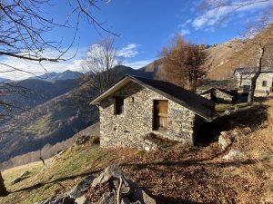 Immobilien Comer See Gravedona ed Uniti Hügelig Haus mit Seeblick
