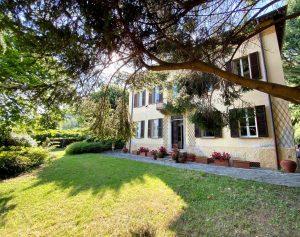 Immobilien Comer See Domaso Villa mit Park und Seeblick
