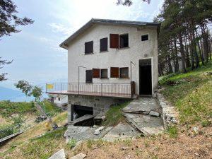 Immobilien Comer See Sorico Hugelig Haus mit Garten